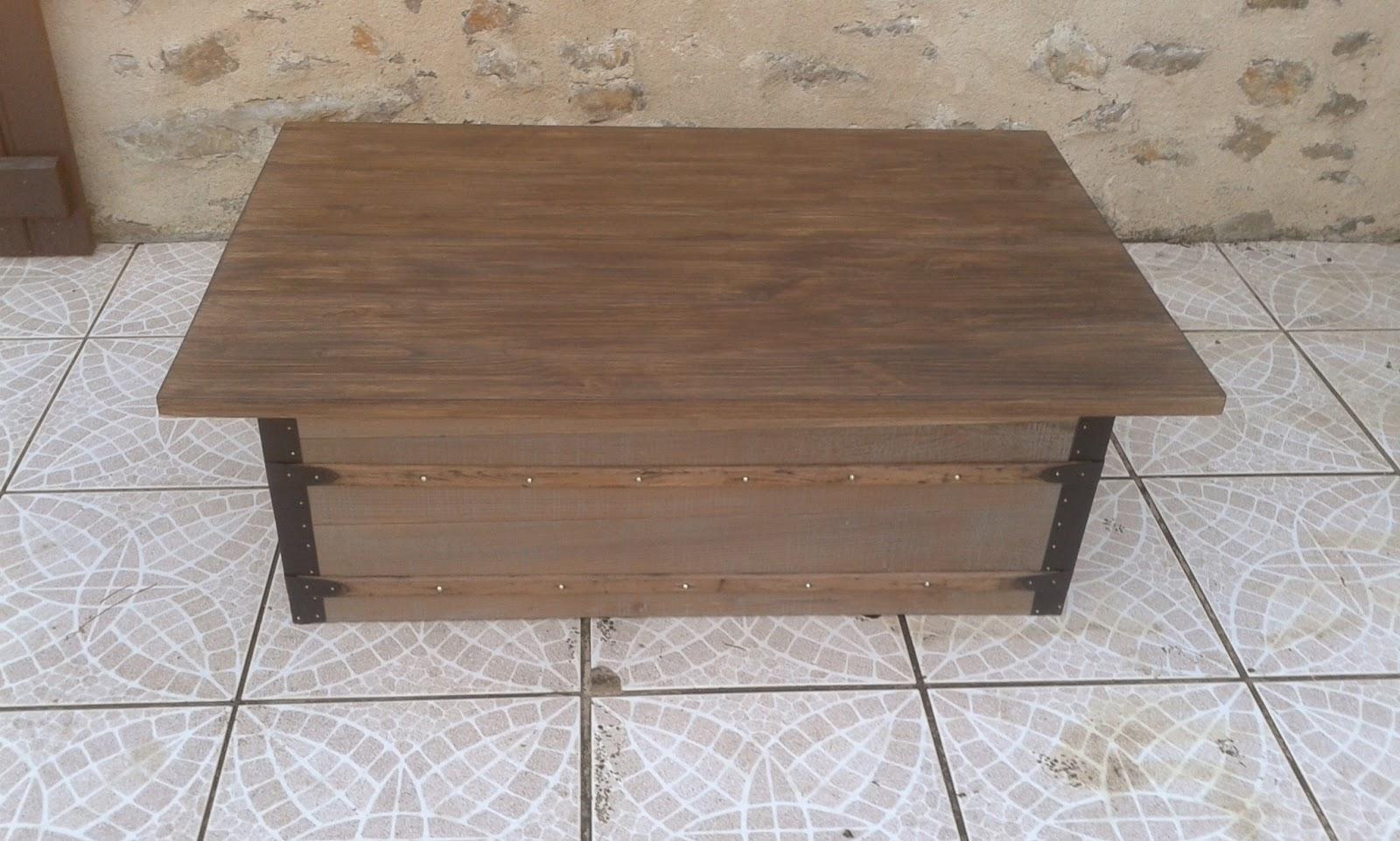 O Bois Recyclé Table Basse Réalisée à Partir Dun Ancien Fût De Malle