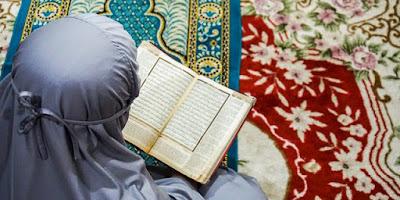 Amalan serta Manfaat Membaca Surat Al Waqiah 3 kali untuk Kekayaan bisa dilakukan setelah sholat dhuha , tahajud , subuh dan tiap malam