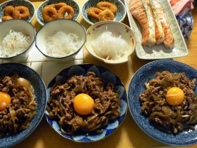 夕食の献立 献立レシピ 飽きない献立 牛皿 酢の物 鮭 イカリング