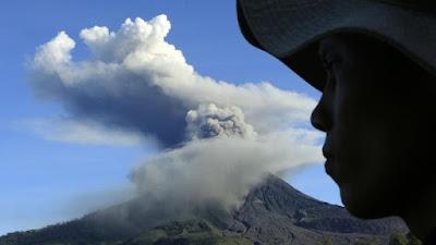 Gunung Sinabung Erupsi Pagi Ini, Tinggi Kolom Abu Capai 5 Km