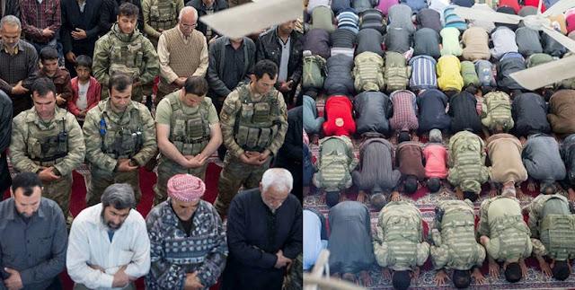 Tentara Turki dan Warga Shalat Jumat Pertama di Kota Afrin