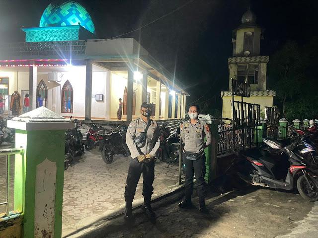 Antisipasi Pencurian, Polsek Nanga Pinoh melaksanakan Patroli dan Pengamanan di Masjid-Masjid