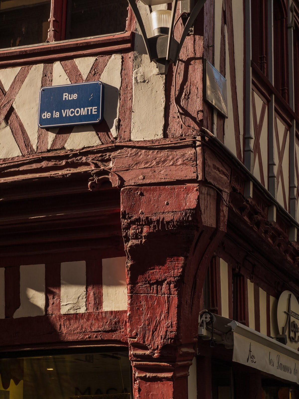 Street sign for Rue de la Vicomte in Rouen, Normandy.