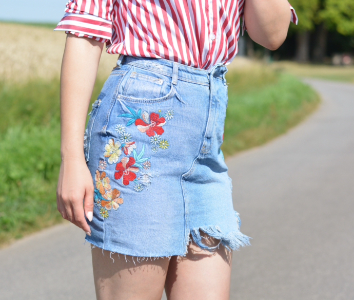 Floral Denim Skirt with Red Striped Shirt, Zara Floral Denim Skirt, Yoins Red Striped Shirt, H&M Earrings