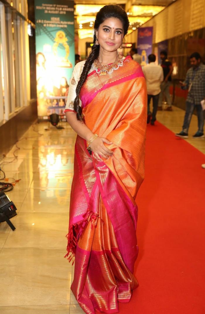 Tamil Actress Sneha In Orange Traditional Indian Pattu Saree At Santhosam Awards Glamorous Indian Models