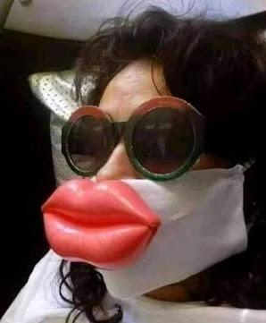 Smešna ženska zaštitna maska za usta sa punim usnama