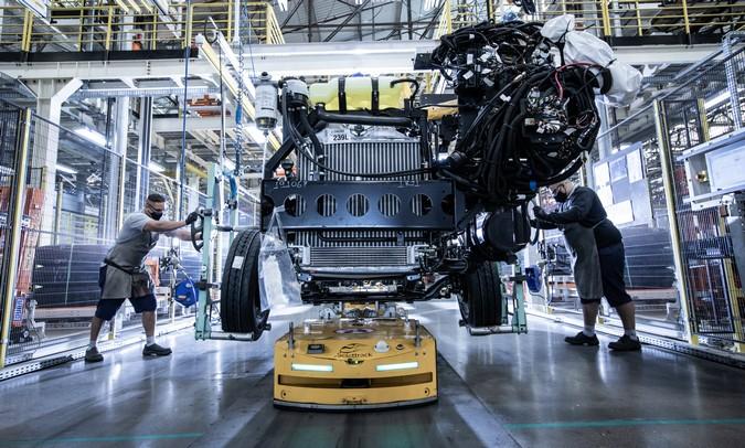 Mercedes-Benz inaugura a primeira fábrica 4.0 de chassis de ônibus do Brasil