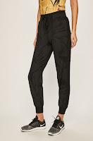 pantaloni-si-leggins-sport-dama-5