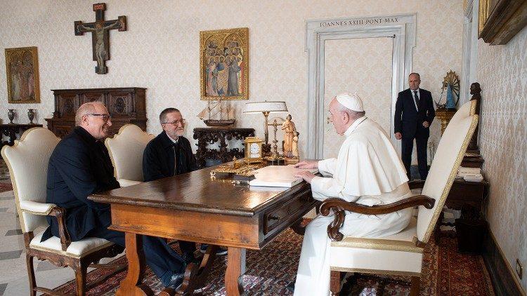 Bebas Setalah Diculik Selama Dua Tahun, Pastor Pierluigi Bertemu Paus Fransiskus