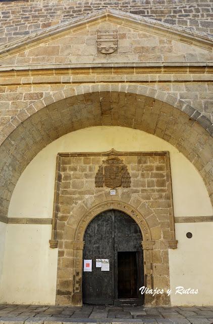 Portada Colegiata de Santa María la Mayor, Salas