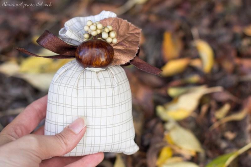 Come riciclare vecchi tè e tisane trasformandoli in sacchetti profuma armadi || DIY DA UN MINUTO idea riciclo fai da te