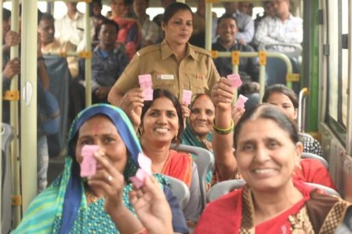 DTC और क्लस्टर बसों में महिलाओं के लिए फ्री सफर, यात्रा के लिए मिलेगा गुलाबी टोकन