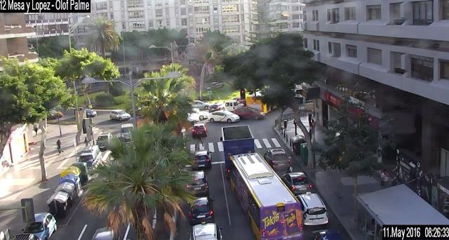 Mesa y López colapsada por fallos en los semáforos, grandes retenciones