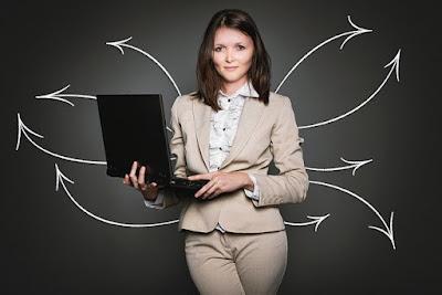 घर बैठे महिलाओं के लिए 10 सफल बिजनेस आइडियाज - Business Ideas For Women And Housewives In Hindi