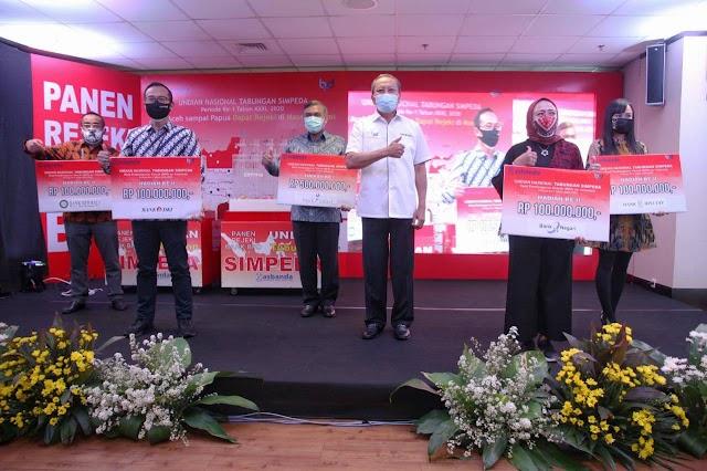 Sebanyak 25 Nasabah  bank bjb Dapat Hadiah Undian Nasional Simpeda