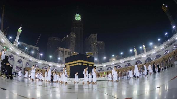 Saudi Tutup Penerbangan Akibat Corona Jenis Baru, Nasib Jamaah Umroh?