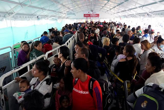 Reportan entrada masiva de Venezolanos a Perú antes de que les exijan la visa