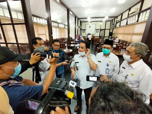 Pertamina sudah memastikan bahwa stok gas elpiji tiga kilogram mencukupi untuk memenuhi kebutuhan masyarakat Kalimantan Barat
