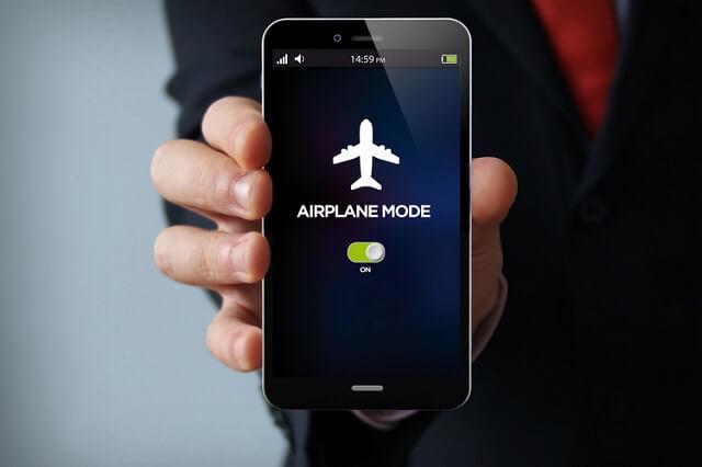 أندرويد 11 قد يتيح الاستماع إلى الاغاني عبر البلوتوث في وضع الطائرة