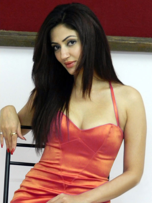 Reyhna Malhotra Latest Hot  Sexy Pics----Cinemad70Mm-----6493