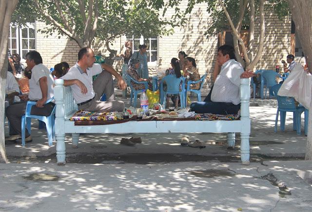 Ouzbékistan, Boukhara, Parc Samanides, tapchane, tapshan, © L. Gigout, 2012