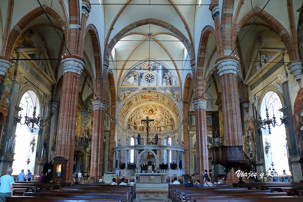 Interior del Duomo de Verona