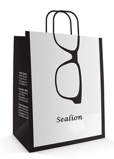 Desain Paper Bag/ Tas Belanja Kacamata