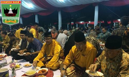 Wagub Nasrul Abit: Makan Bajamba Tanda Orang Minang Bermufakat