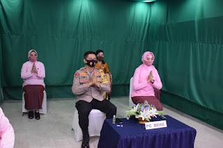 Kapolres Try dan Ketua Bhayangkari Cabang Bone Ikuti Upacara Virtual HKGB Ke 68