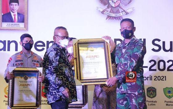 Pangdam XIV/Hsn di Wakili  Wakapendam Terima Piagam Penghargaan (Award) Dari Ketua Umum PWI Pusat