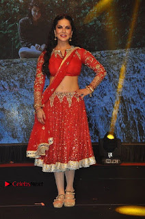 Bollywood Actress Model Sunny Leone Dance Performance in Red Half Saree at Rogue Audio Launch 13 March 2017  0025.jpg