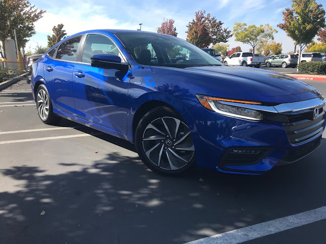 Front 3/4 view of 2020 Honda Insight Touring