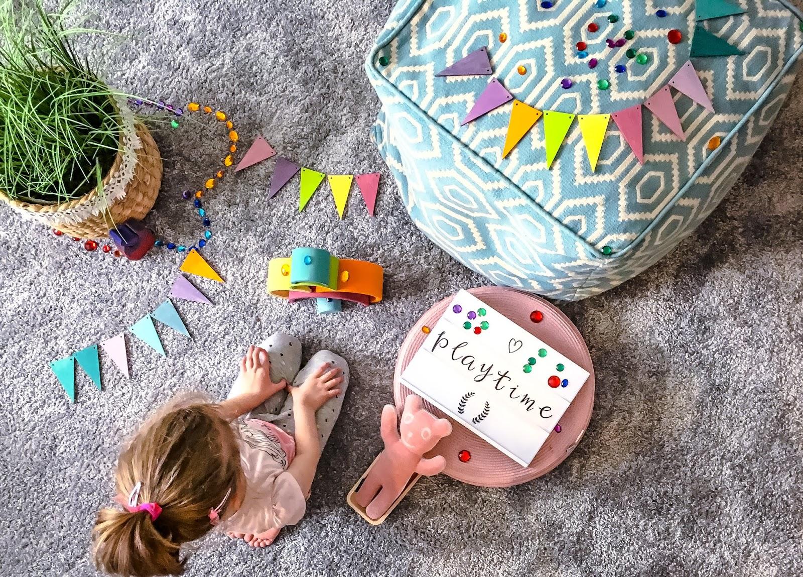 2a4aeca14a Gyerekkel vagy gyerekekkel élni sokszor áll távol mindentől, ami egyszerű.  Panoráma lehet a zero waste, a hygge és a lagom, a szépen berendezett  montesszori ...