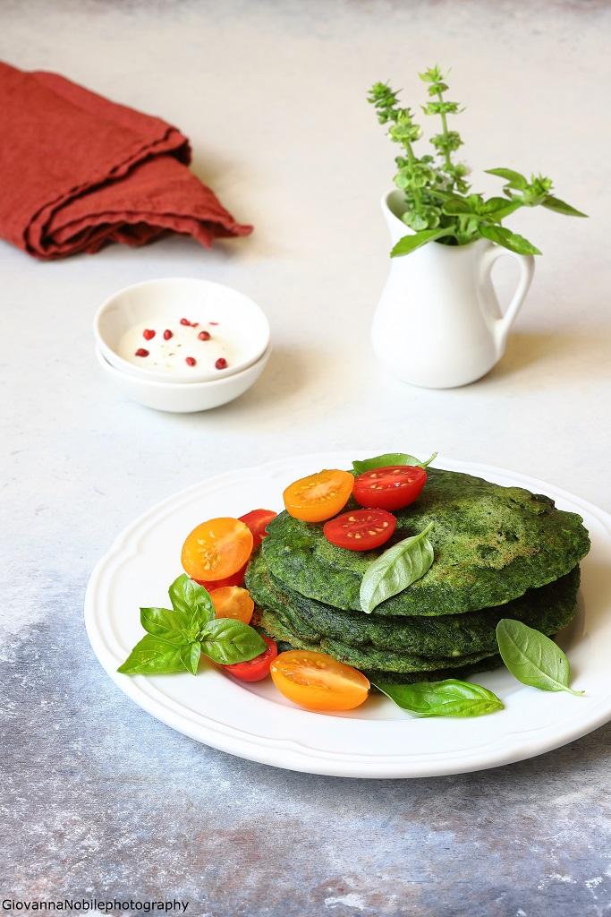 Pancakes salati agli spinaci e scalogni