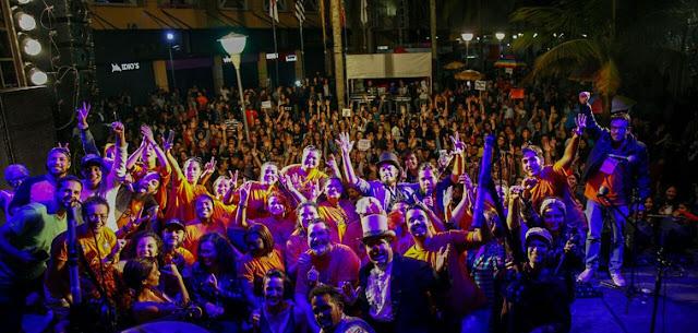 No último dia 30, a cidade de Osasco contou com o protesto Diretas Já, que reuniu cerca de 5 mil pessoas, segundo os organizadores. O ato centralizado em frente ao Osasco Plaza Shopping, contou com várias bandas, entre elas, Teatro Mágico e Planta e Raíz. Embora esta seja uma das primeiras manifestações de grande porte em Osasco após esses dois anos de crise institucional, o papel da cidade e da Grande São Paulo em si é um fator essencial para barrar as políticas implantadas pelo Governo atual.