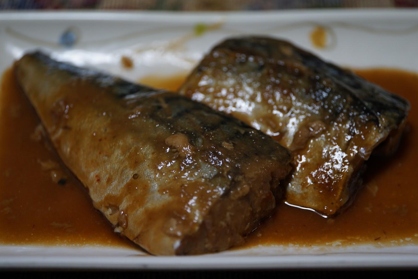 二切れの鯖の味噌煮