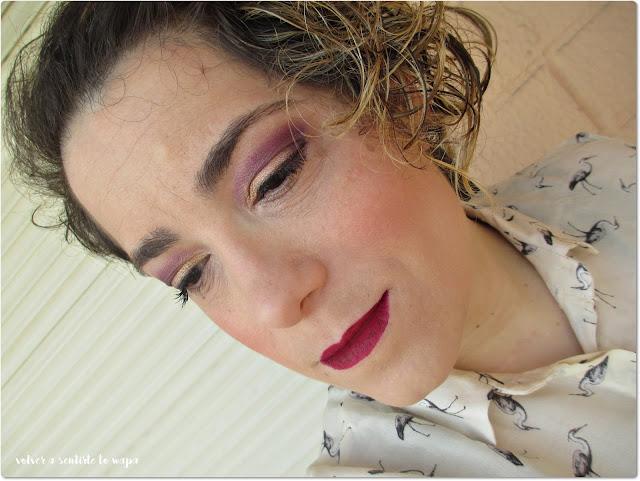 Maquillaje en dorado y vino