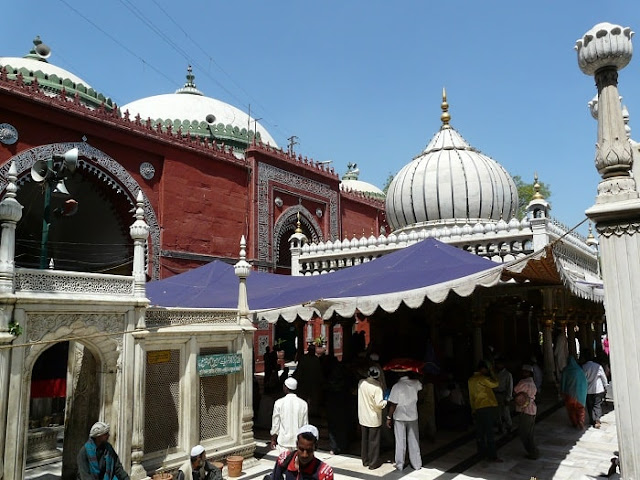 Nizamuddin Dargah, Best Places to Visit in Delhi