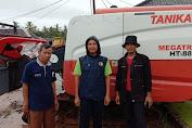 Gapoktan Prabu Jaya Sakti Desa Bolang Malingping terima Bantuan Alsintan Combine