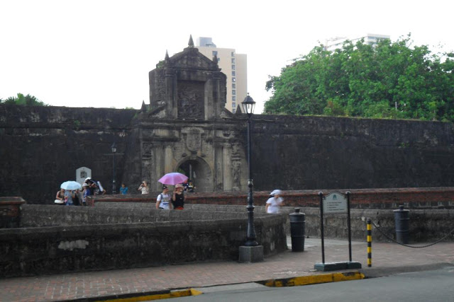 March 24, 2012: Throwback Photos from Our Fort Santiago Visit