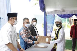 Wisuda Tahfidz 30 Juz dan Penyerahan Sanad Hadits Santri Pondok Pesantren RTQ
