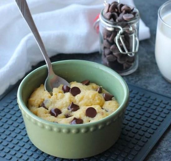 Microwave Chocolate Chip Cookie #desserts #dessertdinner