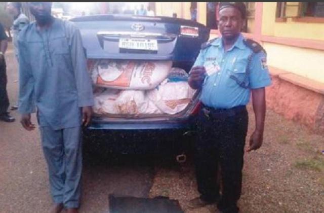 Fake policeman nabbed with bags of hemp in Ogun