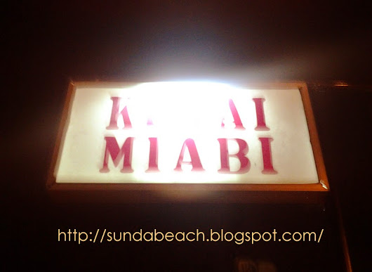 Kedai Mi'abi: A Snack Shop in Garut with Atmospheric Bamboo Interior