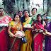 सिमुलतला : कच्चे धागों में बंधा पति के जीवन की डोर, जगह जगह उमडी भीड़