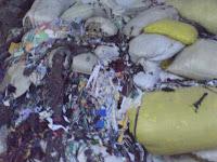 Alat pengepress sampah kain