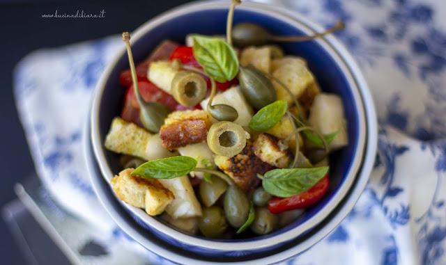 Panzanella con olive verdi, carosello e cucunci