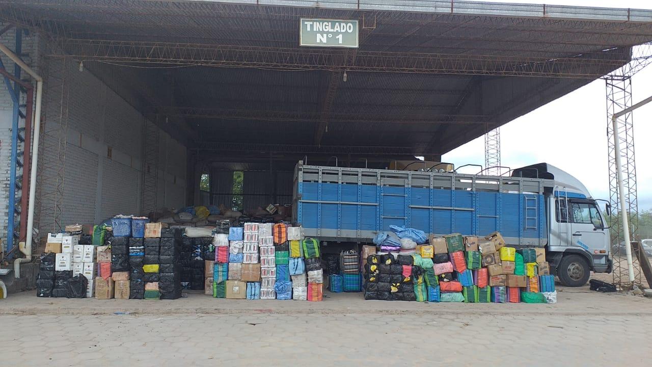 Aduana destruye 12 autos, 7,7 T. de cigarrillos y cerveza de contrabando en  Yacuiba - Periódico El Gran Chaco - Noticias de Yacuiba, Gran Chaco,  Tarija, Bolivia y el Mundo.