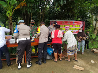 Polsek Singkep Barat Dirikan Dapur Umum di Lokasi Musibah Banjir