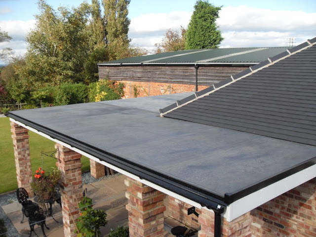 What Are The Benefits Of Rubber Bond Roofing In Surrey?